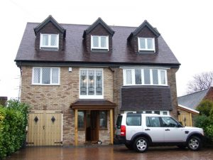 Property with extended front allowing for 2 en-suite bedrooms and a full gallery landing